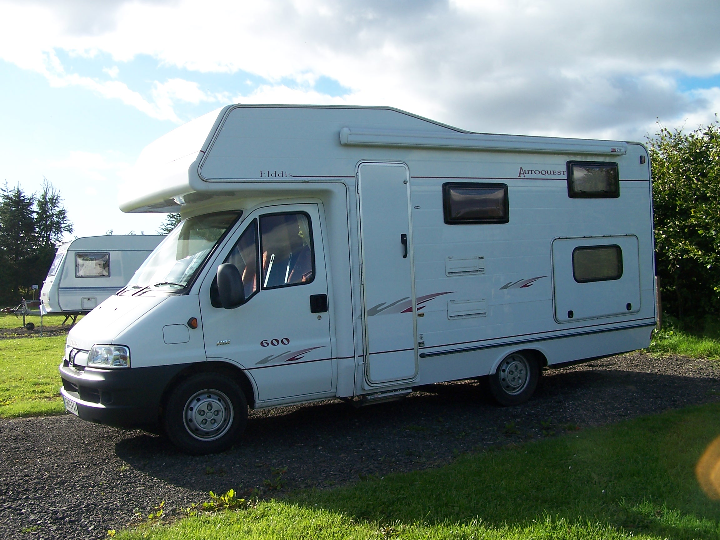 Forth House Caravan Site, Camping and Caravanning in St Andrews